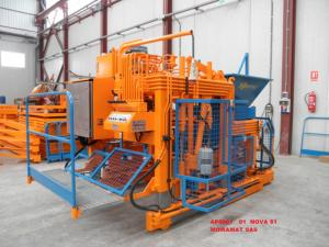 PONDEUSE /MOBIL BLOCK MACHINE